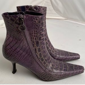 Donald J Pliner Salonan purple faux croc boots 8